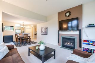 "Photo 9: 411 15220 GUILDFORD Drive in Surrey: Guildford Condo for sale in ""BOULEVARD CLUB"" (North Surrey)  : MLS®# R2540523"