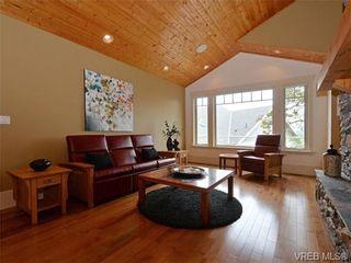 Photo 4: 1290 Eston Pl in VICTORIA: La Bear Mountain House for sale (Langford)  : MLS®# 732009