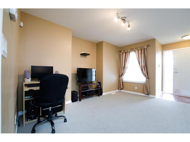 Photo 2: Photos: 34626 5TH Avenue in Abbotsford: Poplar House for sale : MLS®# F1434523