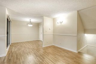 "Photo 8: 10537 HOLLY PARK Lane in Surrey: Guildford Townhouse for sale in ""Holly Park"" (North Surrey)  : MLS®# R2438495"