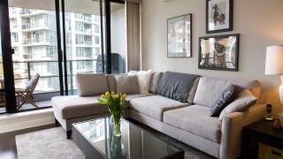 """Photo 7: 804 151 W 2ND Street in North Vancouver: Lower Lonsdale Condo for sale in """"SKY"""" : MLS®# R2260596"""