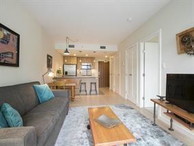 Photo 3: 802 88 W 1st Avenue in Vancouver: False Creek Condo for sale (Vancouver West)  : MLS®# R2120420