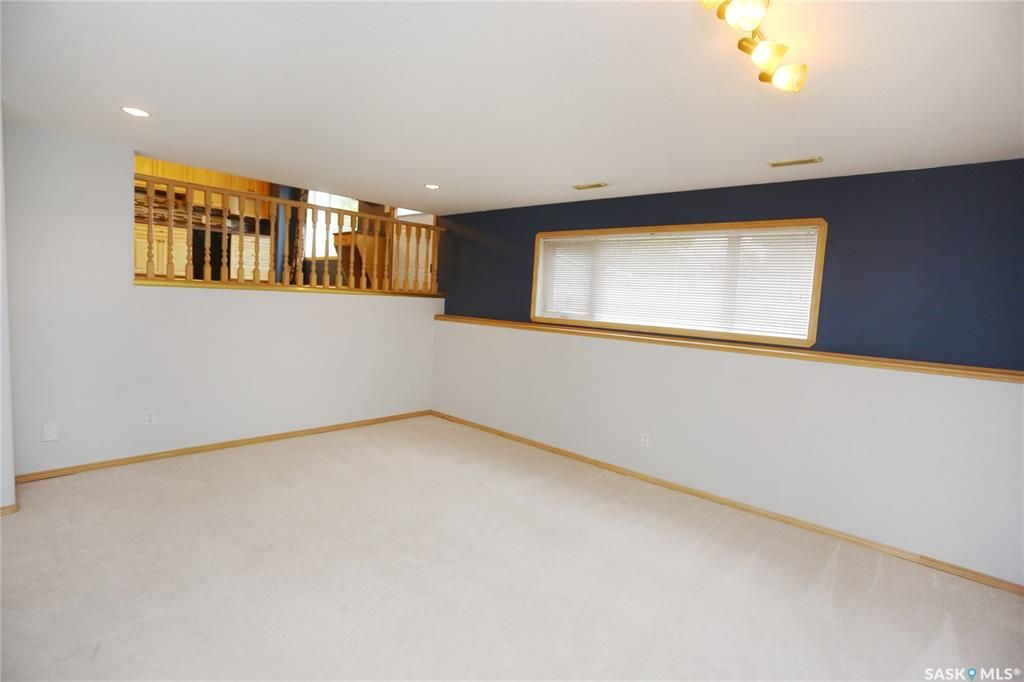 Photo 39: Photos: 206 1st Avenue North in Warman: Residential for sale : MLS®# SK796281
