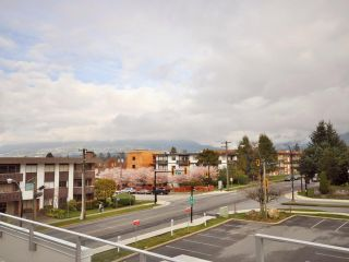 Photo 11: 1329 CIVIC PLACE MEWS in North Vancouver: Central Lonsdale Townhouse for sale : MLS®# R2114138