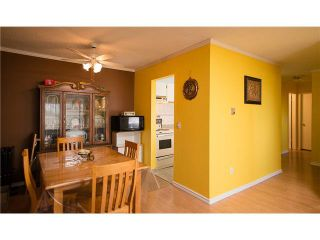Photo 4: 161 200 WESTHILL PLACE: Condo for sale : MLS®# V957175