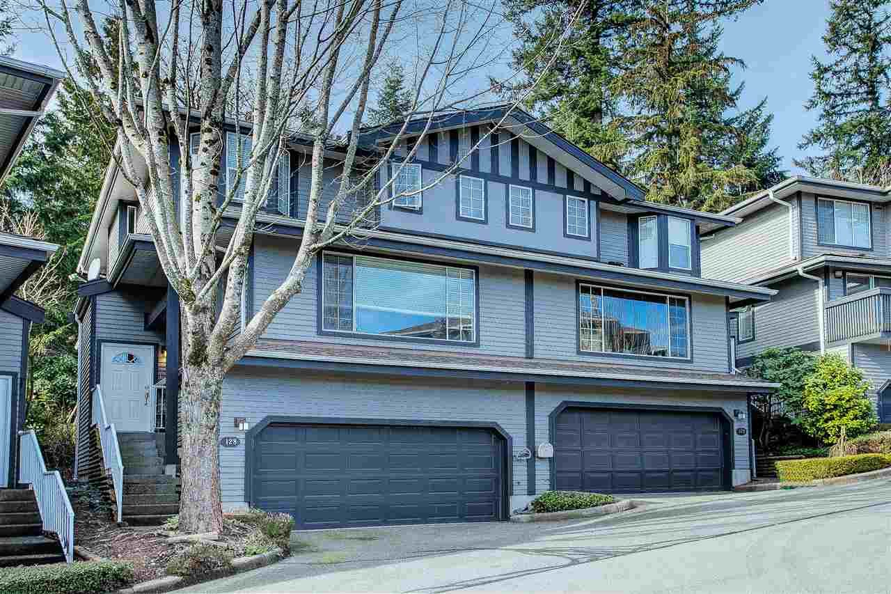 """Main Photo: 128 2998 ROBSON Drive in Coquitlam: Westwood Plateau Townhouse for sale in """"Foxrun"""" : MLS®# R2551849"""