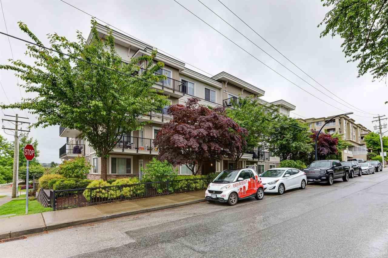 """Main Photo: 301 22290 NORTH Avenue in Maple Ridge: West Central Condo for sale in """"SOLO"""" : MLS®# R2585330"""