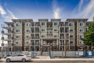 """Photo 1: 314 20696 EASTLEIGH Crescent in Langley: Langley City Condo for sale in """"The Georgia"""" : MLS®# R2597819"""