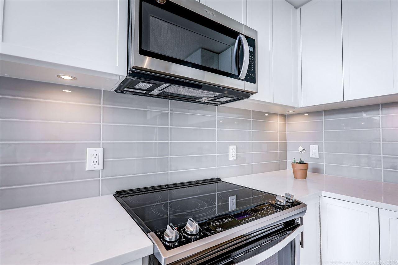 Photo 7: Photos: 412 2382 ATKINS Avenue in Port Coquitlam: Birchland Manor Condo for sale : MLS®# R2418574