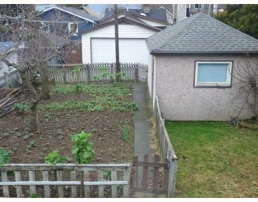 Photo 3: Photos: 2457 BROCK Street in Vancouver: Collingwood VE House for sale (Vancouver East)  : MLS®# V810270