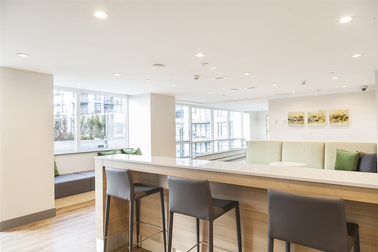 """Photo 16: Photos: 713 159 W 2ND Avenue in Vancouver: False Creek Condo for sale in """"TOWER GREEN"""" (Vancouver West)  : MLS®# R2326361"""