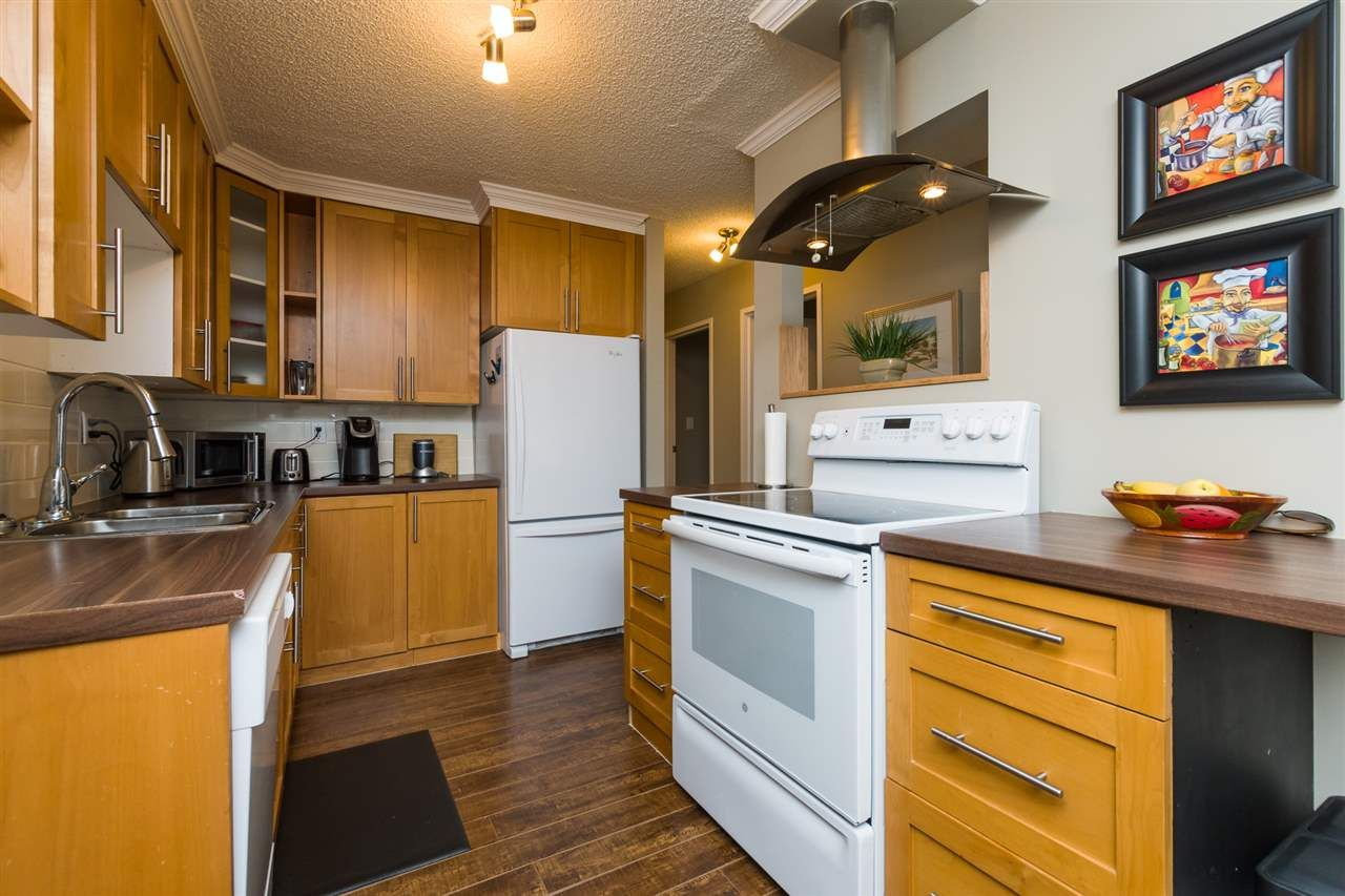 """Photo 9: Photos: 106 1442 BLACKWOOD Street: White Rock Condo for sale in """"BLACKWOOD MANOR"""" (South Surrey White Rock)  : MLS®# R2380049"""