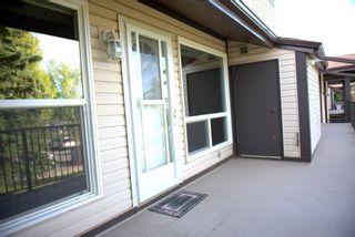 Photo 3: 2111 SADDLEBACK Road in Edmonton: Zone 16 Carriage for sale : MLS®# E4228477