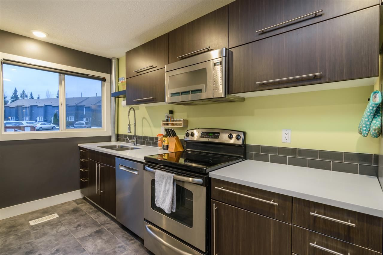 Main Photo: 104 101 N TABOR BOULEVARD in : Heritage Townhouse for sale : MLS®# R2228461