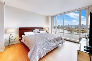 Photo 13: 1602 8 SMITHE Mews in Vancouver: Yaletown Condo for sale (Vancouver West)  : MLS®# R2518054