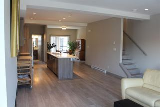 Photo 4: 118 687 Strandlund Ave in : La Langford Proper Row/Townhouse for sale (Langford)  : MLS®# 881826
