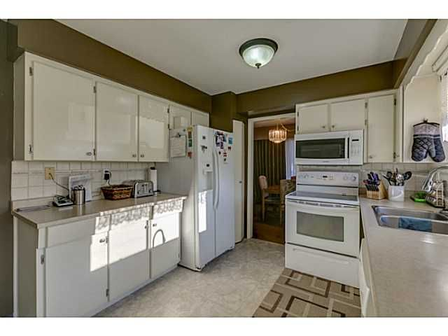 """Photo 6: Photos: 11977 189B Street in Pitt Meadows: Central Meadows House for sale in """"HIGHGATE"""" : MLS®# V1038293"""