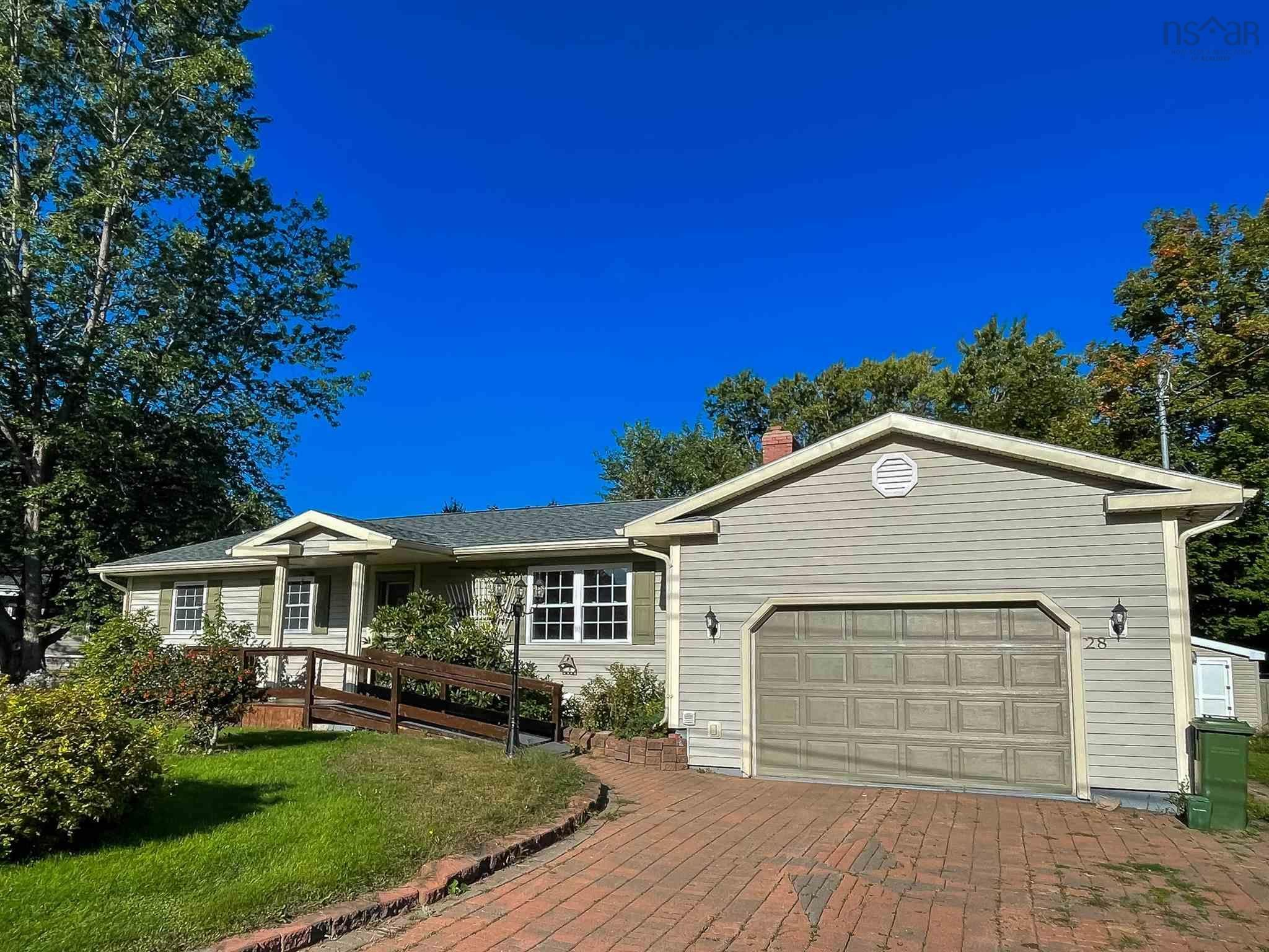 Main Photo: 28 Foster Street in Kentville: 404-Kings County Residential for sale (Annapolis Valley)  : MLS®# 202123680