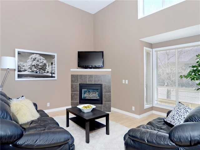Photo 4: Photos: 51 MILLROSE Place SW in CALGARY: Millrise Townhouse for sale (Calgary)  : MLS®# C3560481