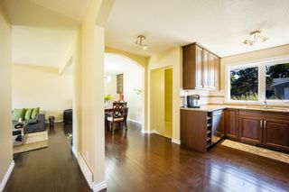 Photo 3: 4719 Waverley Drive SW in Calgary: Westgate Detached for sale : MLS®# A1123635
