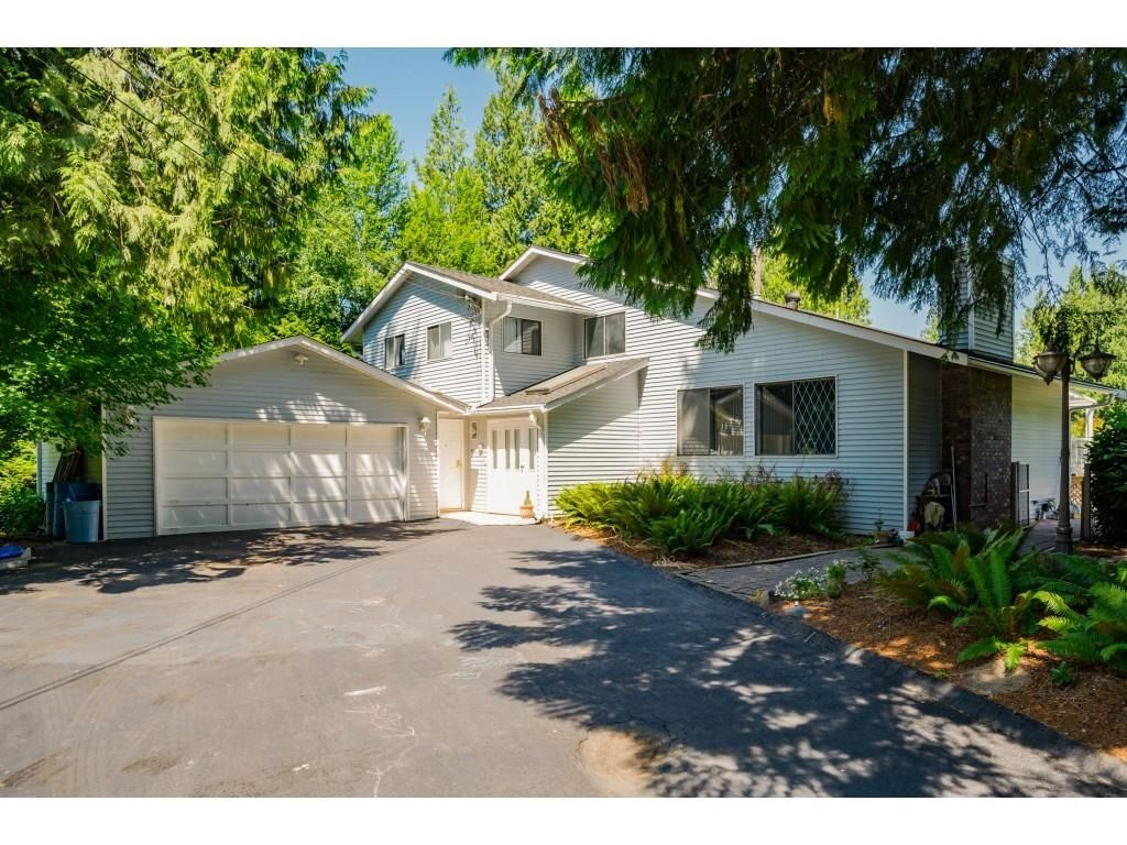 Main Photo: 26019 58 Avenue in Langley: County Line Glen Valley House for sale : MLS®# R2599684