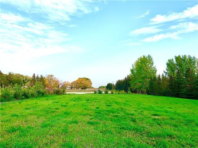 FEATURED LISTING: 14 COUNTRY Road East Selkirk