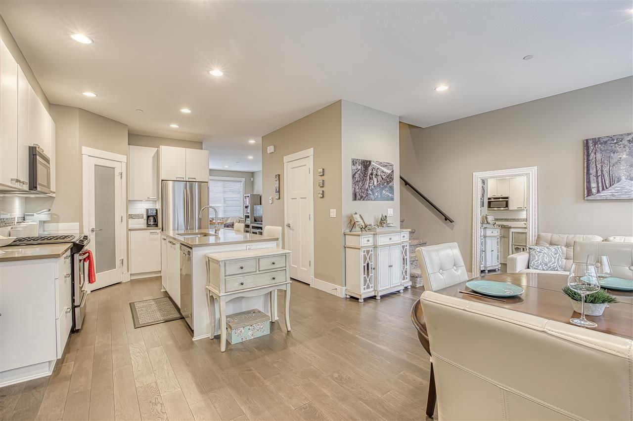"""Photo 5: Photos: 10 23709 111A Avenue in Maple Ridge: Cottonwood MR Townhouse for sale in """"Falcon Hills"""" : MLS®# R2431365"""