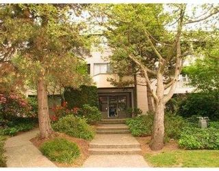 """Photo 1: 103 1209 HOWIE AV in Coquitlam: Central Coquitlam Condo for sale in """"CREEKSIDE MANOR"""" : MLS®# V577234"""