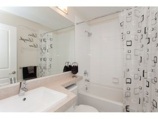 """Photo 14: 20 21867 50 Avenue in Langley: Murrayville Townhouse for sale in """"WINCHESTER"""" : MLS®# R2039227"""