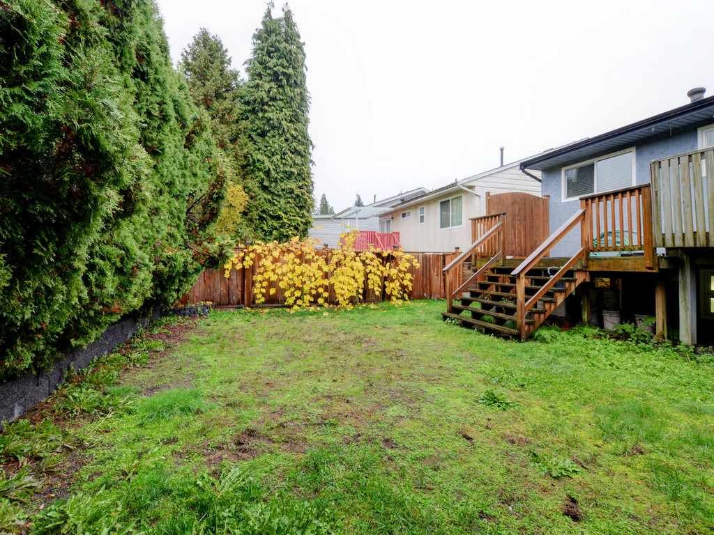 Photo 19: Photos: 3247 SAMUELS Court in Coquitlam: New Horizons House for sale : MLS®# R2219617
