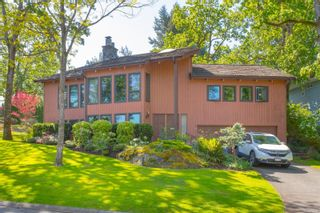 Photo 1: 912 Woodhall Dr in : SE High Quadra House for sale (Saanich East)  : MLS®# 875148