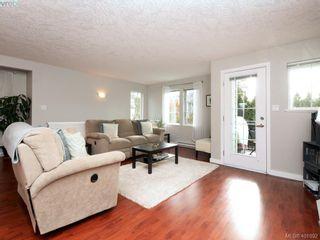 Photo 4: 209 2685 Deville Rd in VICTORIA: La Langford Proper Row/Townhouse for sale (Langford)  : MLS®# 802015
