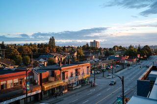 """Photo 34: 404 2141 E HASTINGS Street in Vancouver: Hastings Condo for sale in """"THE OXFORD"""" (Vancouver East)  : MLS®# R2579548"""
