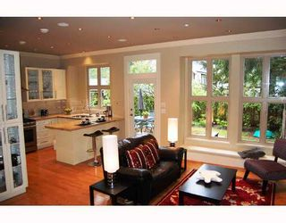 """Photo 4: 875 W 24TH Avenue in Vancouver: Cambie House for sale in """"DOUGLAS PARK"""" (Vancouver West)  : MLS®# V722900"""