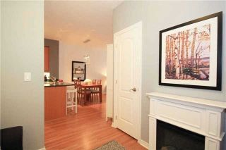 Photo 2: 111 205 W The Donway Way in Toronto: Banbury-Don Mills Condo for sale (Toronto C13)  : MLS®# C3452671