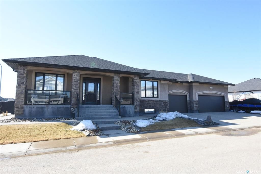 Main Photo: 8081 Wascana Gardens Crescent in Regina: Wascana View Residential for sale : MLS®# SK764523