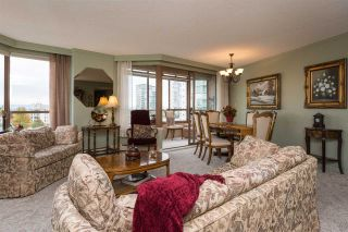 """Photo 2: 812 15111 RUSSELL Avenue: White Rock Condo for sale in """"PACIFIC TERRACE"""" (South Surrey White Rock)  : MLS®# R2118145"""