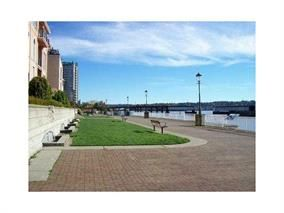 Photo 2: 420 10 Renaissance Square in New Westminster: Quay Condo for sale : MLS®# V1079707