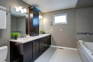 Photo 21: 131 Strathbury Bay SW in Calgary: Strathcona Park Detached for sale : MLS®# A1130947