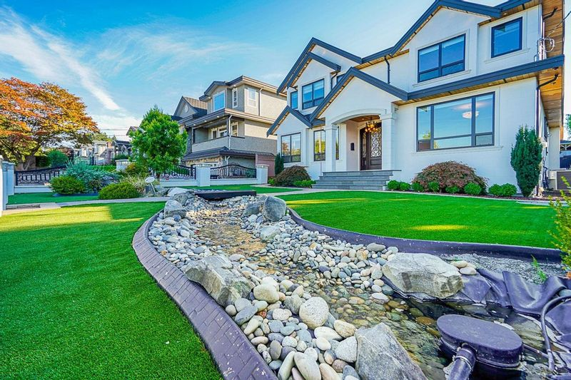 FEATURED LISTING: 5961 LEIBLY Avenue Burnaby
