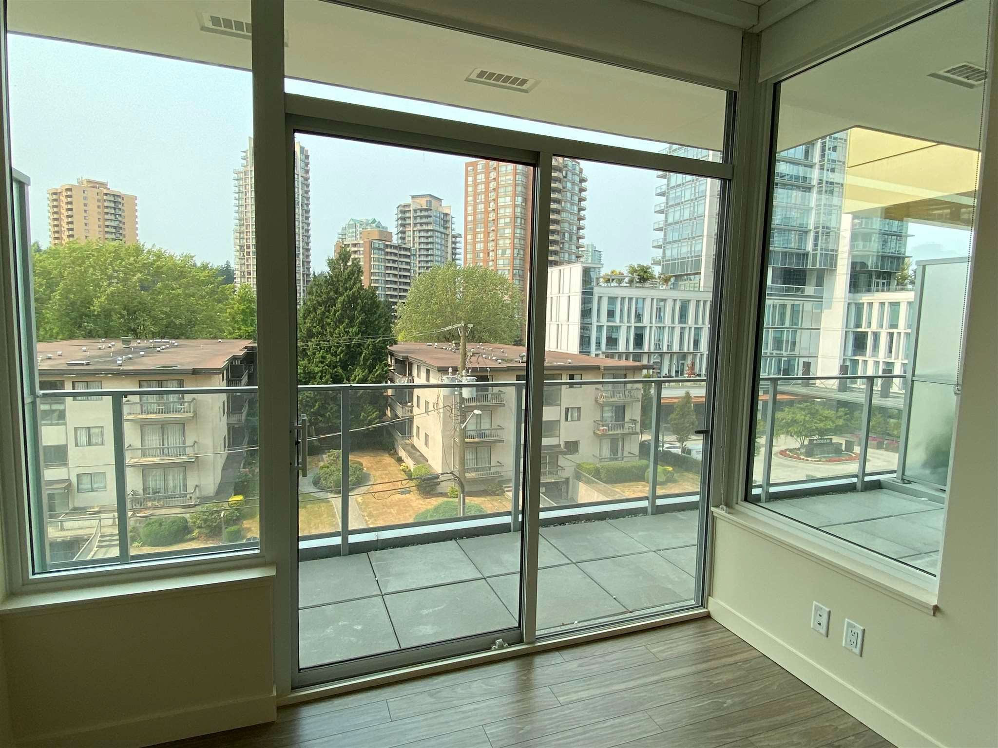 """Photo 18: Photos: 308 6288 CASSIE Avenue in Burnaby: Metrotown Condo for sale in """"GOLD HOUSE SOUTH TOWER"""" (Burnaby South)  : MLS®# R2606367"""