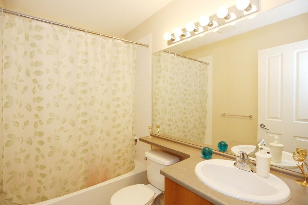 """Photo 16: Photos: 82 8089 209 Street in Langley: Willoughby Heights Townhouse for sale in """"Arborel Park"""" : MLS®# R2067787"""