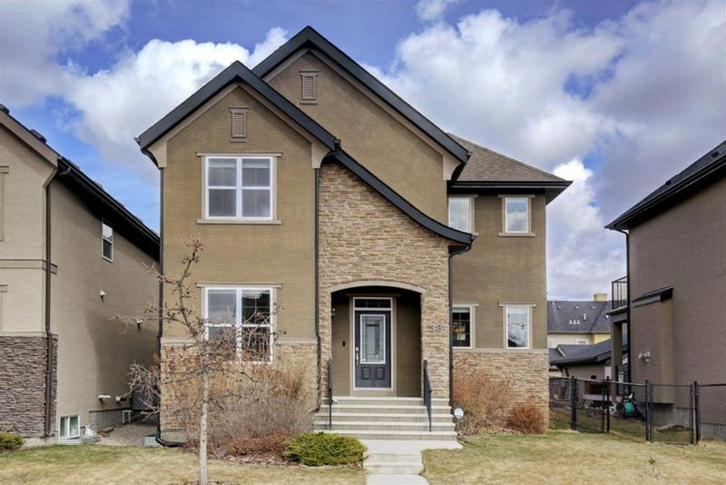 FEATURED LISTING: 38 Quarry Drive Southeast Calgary