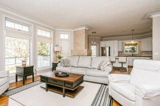 Photo 8: 1524 HEFFERNAN Close in Edmonton: Zone 14 Attached Home for sale : MLS®# E4241611