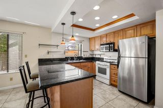 Photo 5: CARLSBAD EAST Twin-home for sale : 3 bedrooms : 6728 Cantil St in Carlsbad