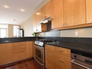 """Photo 7: 2411 SHADBOLT LN in West Vancouver: Panorama Village Townhouse for sale in """"Klahaya"""" : MLS®# V1021422"""