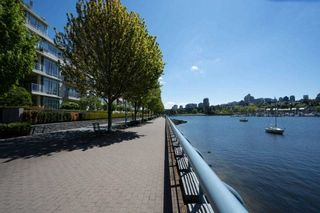 """Photo 7: 1907 1495 RICHARDS Street in Vancouver: Yaletown Condo for sale in """"Azzura Two"""" (Vancouver West)  : MLS®# R2580924"""