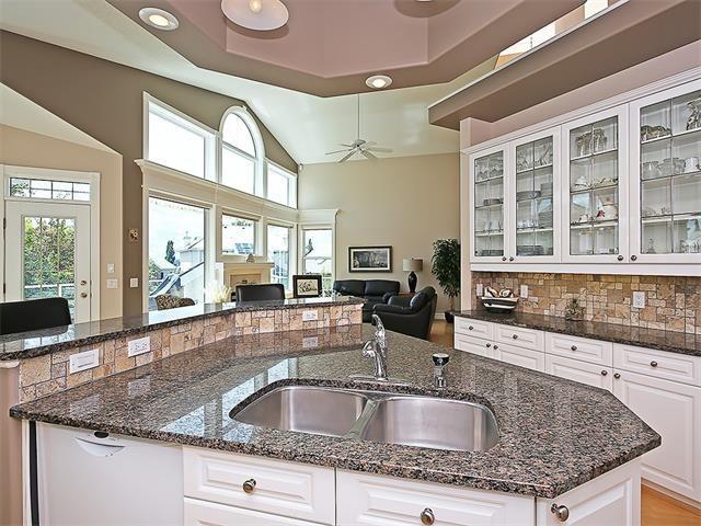 Photo 11: Photos: 315 MT DOUGLAS Court SE in Calgary: McKenzie Lake House for sale : MLS®# C4068873