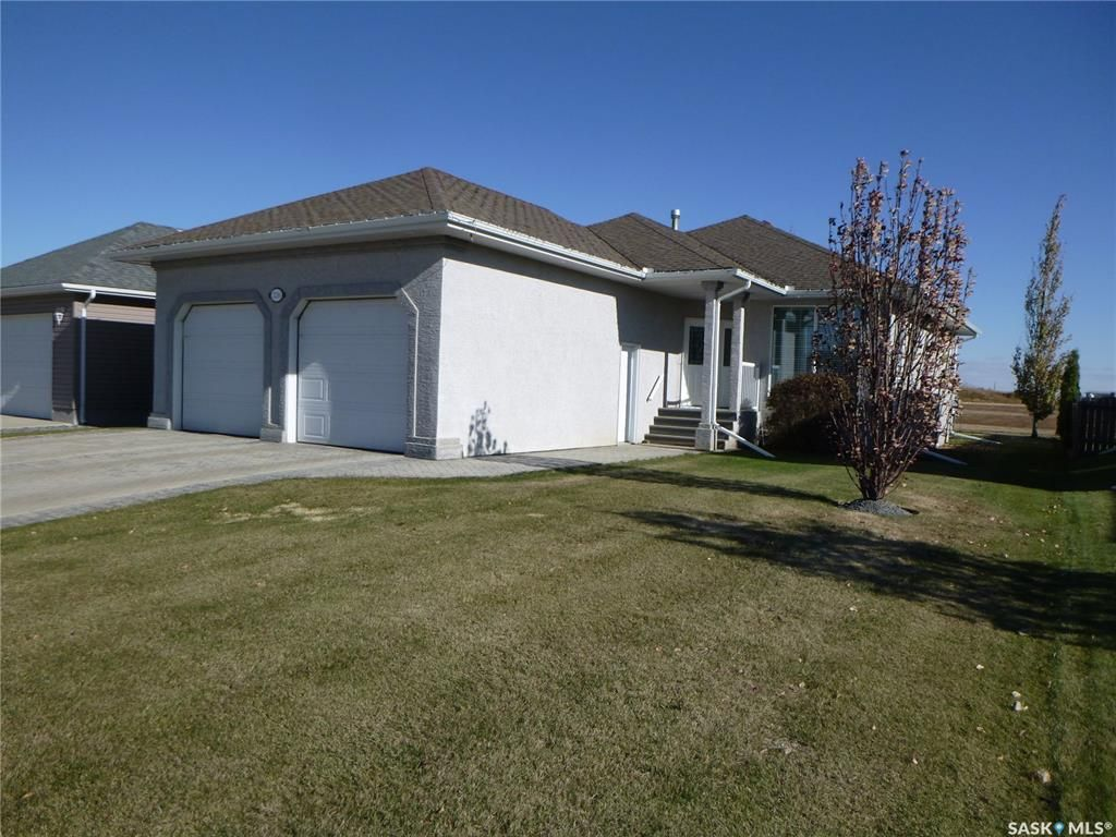 Main Photo: 2216 Newmarket Drive in Tisdale: Residential for sale : MLS®# SK830783