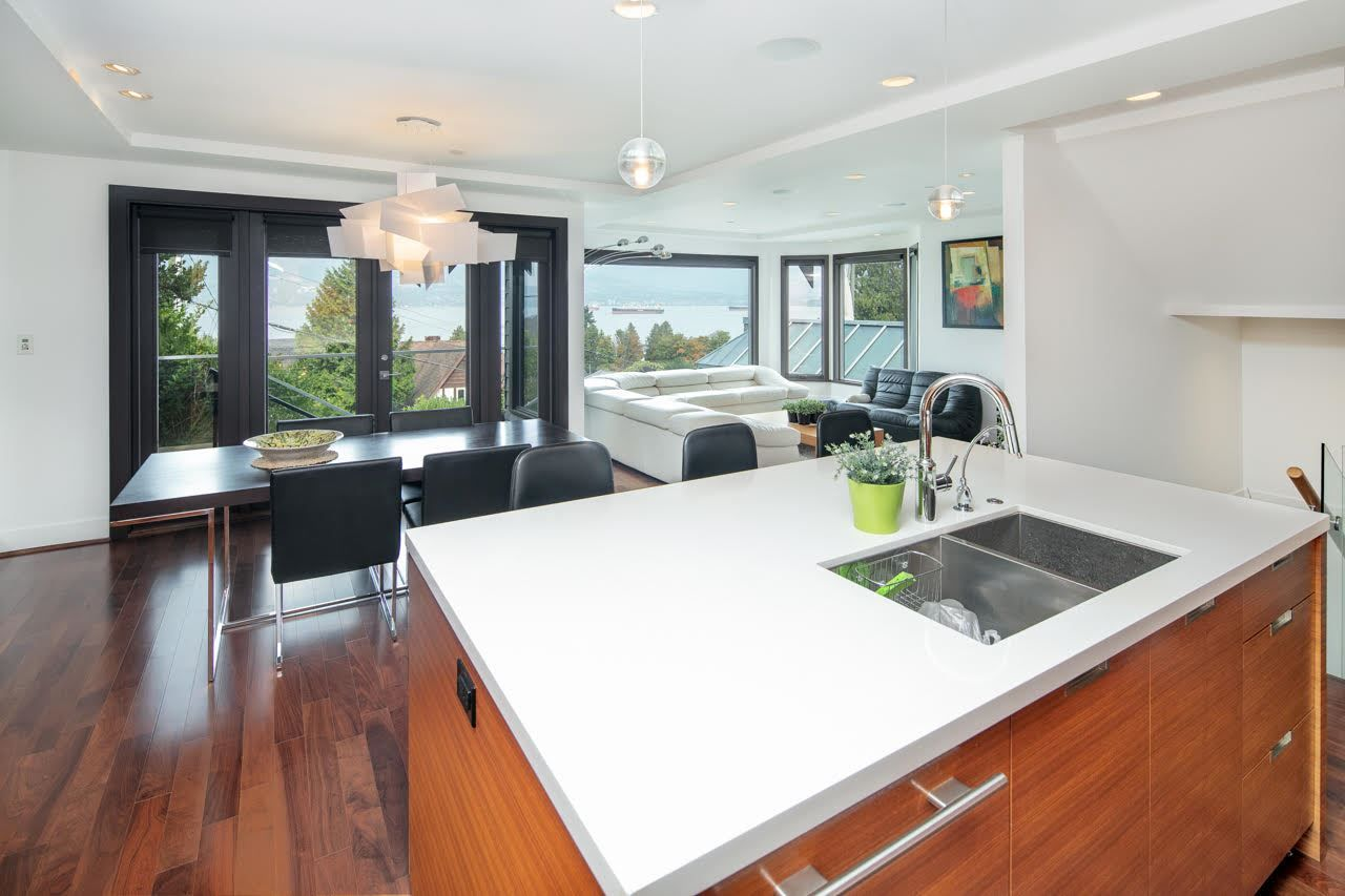 Photo 9: Photos: 4584 LANGARA Avenue in Vancouver: Point Grey House for sale (Vancouver West)  : MLS®# R2526134